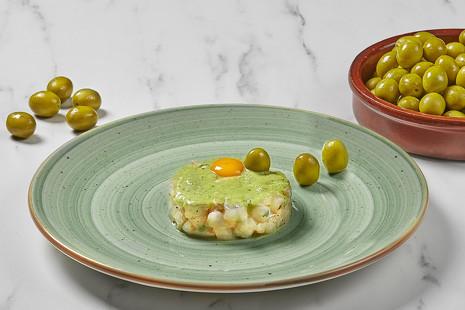 Mucho más que picoteo: la aceituna, ingrediente 'gourmet' de alta cocina