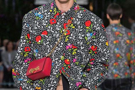 Mapa de la moda masculina: los catalanes prefieren Jil Sanders y los madrileños, Versace