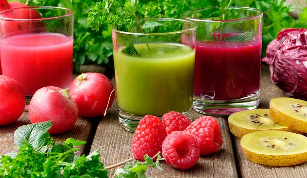 De piña, de granada, de kiwi...: los 10 zumos atípicos más beneficiosos para la salud